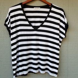 Zara Trafaluc Simple B/W Striped SS V Neck Small